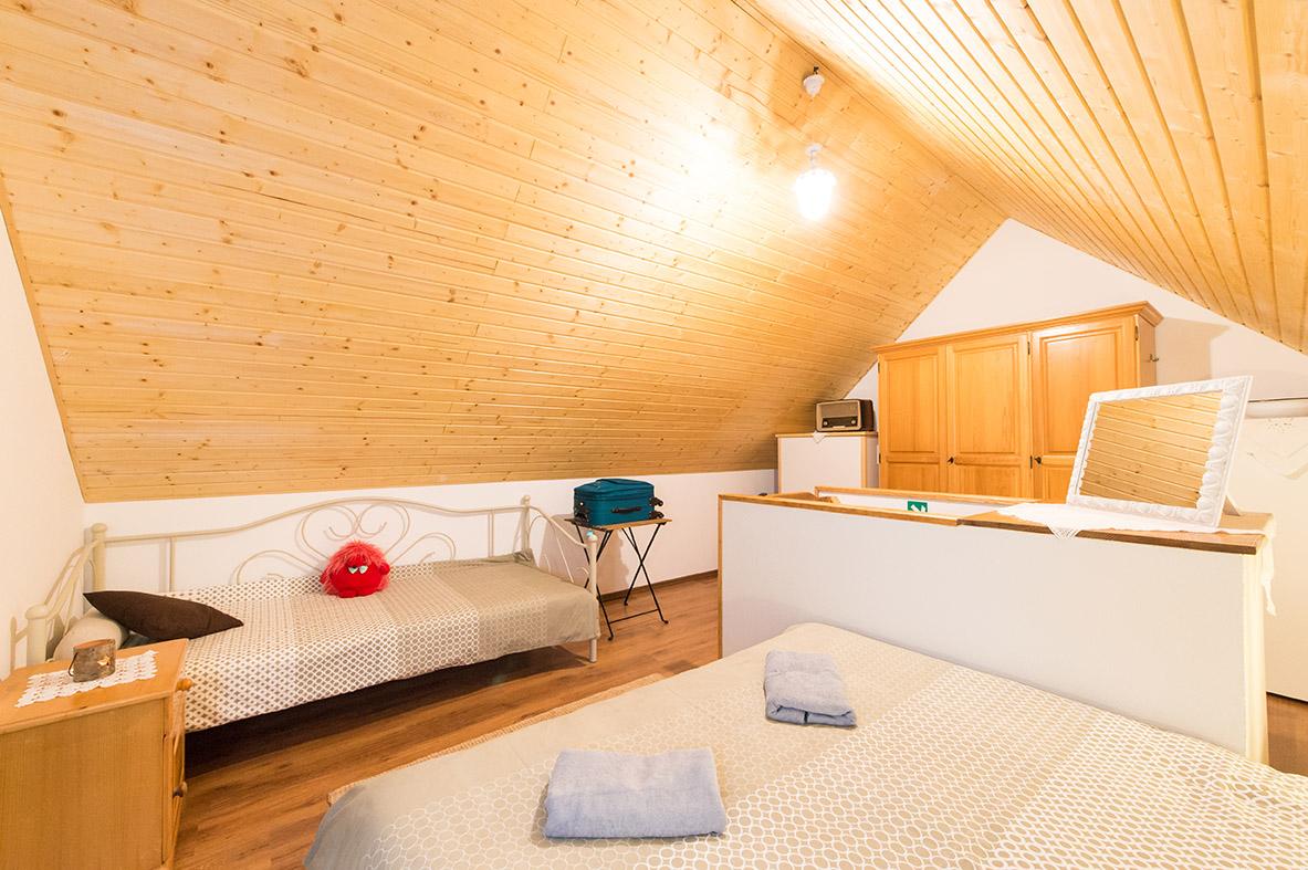 room1-mountine-view-4-seasons-house-bed-sleep